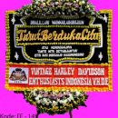 Menjual berbagai karangan bunga